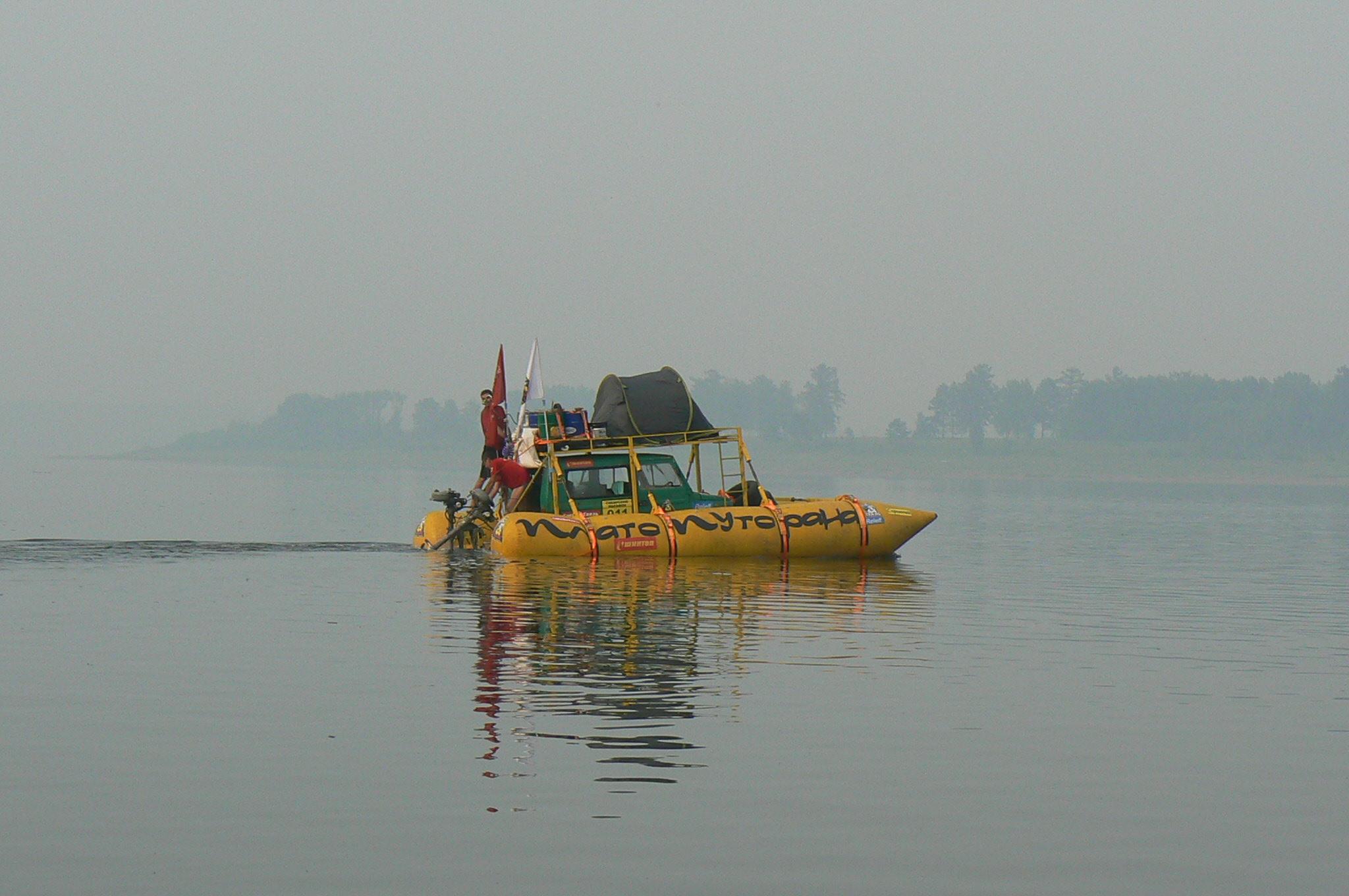 Круизный  double deck boat
